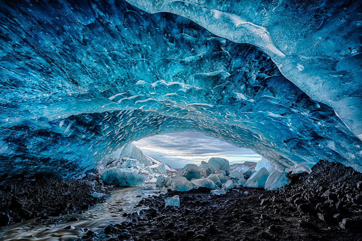 ice essay Ice ages and climate change scientists believe that over the past 28 billion years, immense layers of ice have covered the earth the ice age proposes a puzzle composed of the works and findings of dozens of scientists through history, each providing a crucial piece to the puzzle.